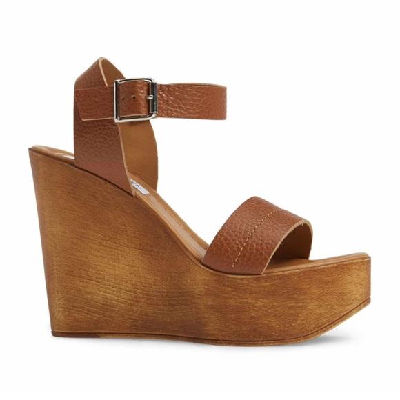 cb4da228962 Steve Madden NWT Belma Wedge Sandal Size 9